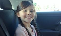 Sofia innan tandläkaren, spänd av förväntan.